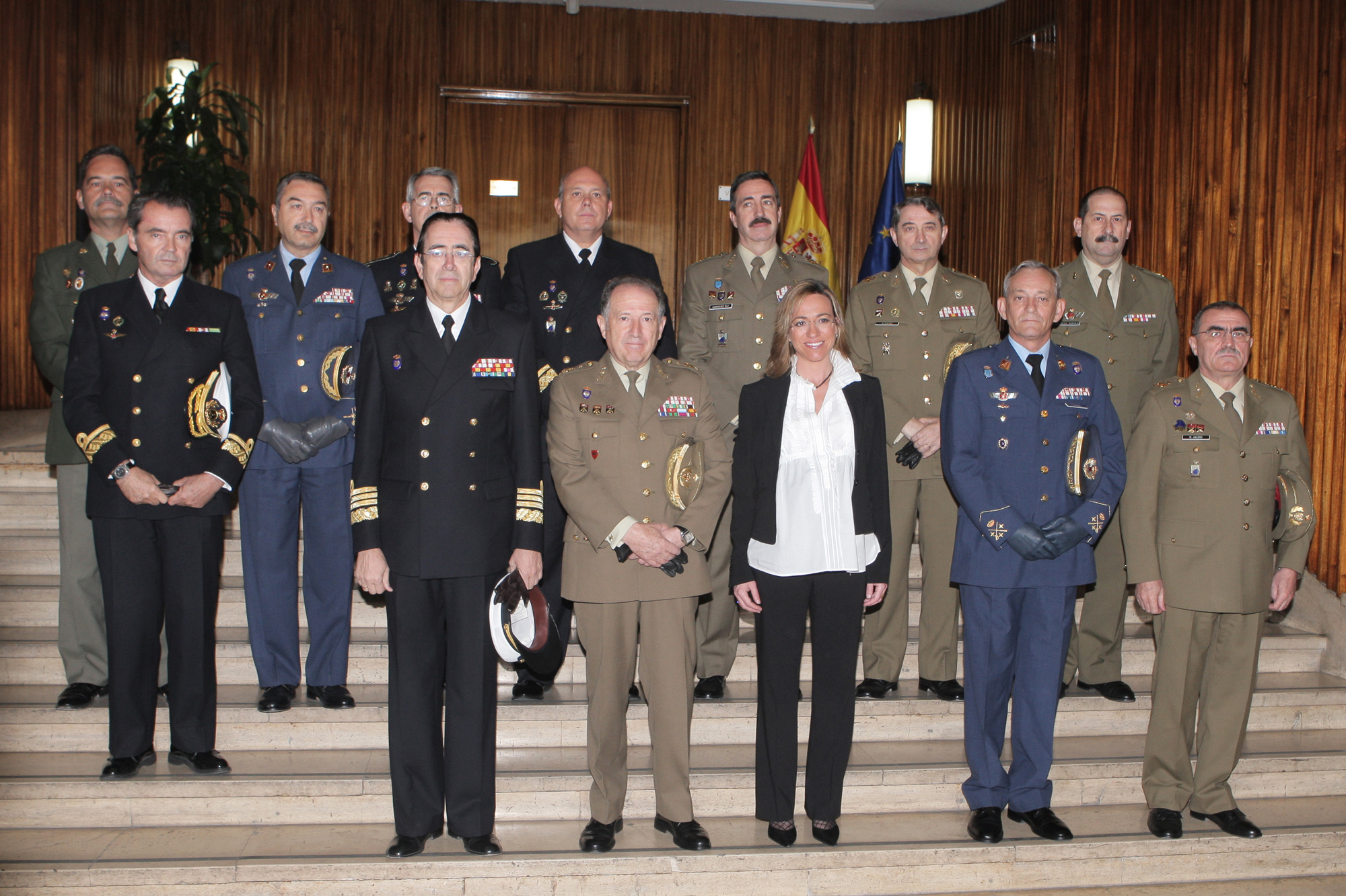 Foto de familia con los generales del Estado Mayor de la Defensa