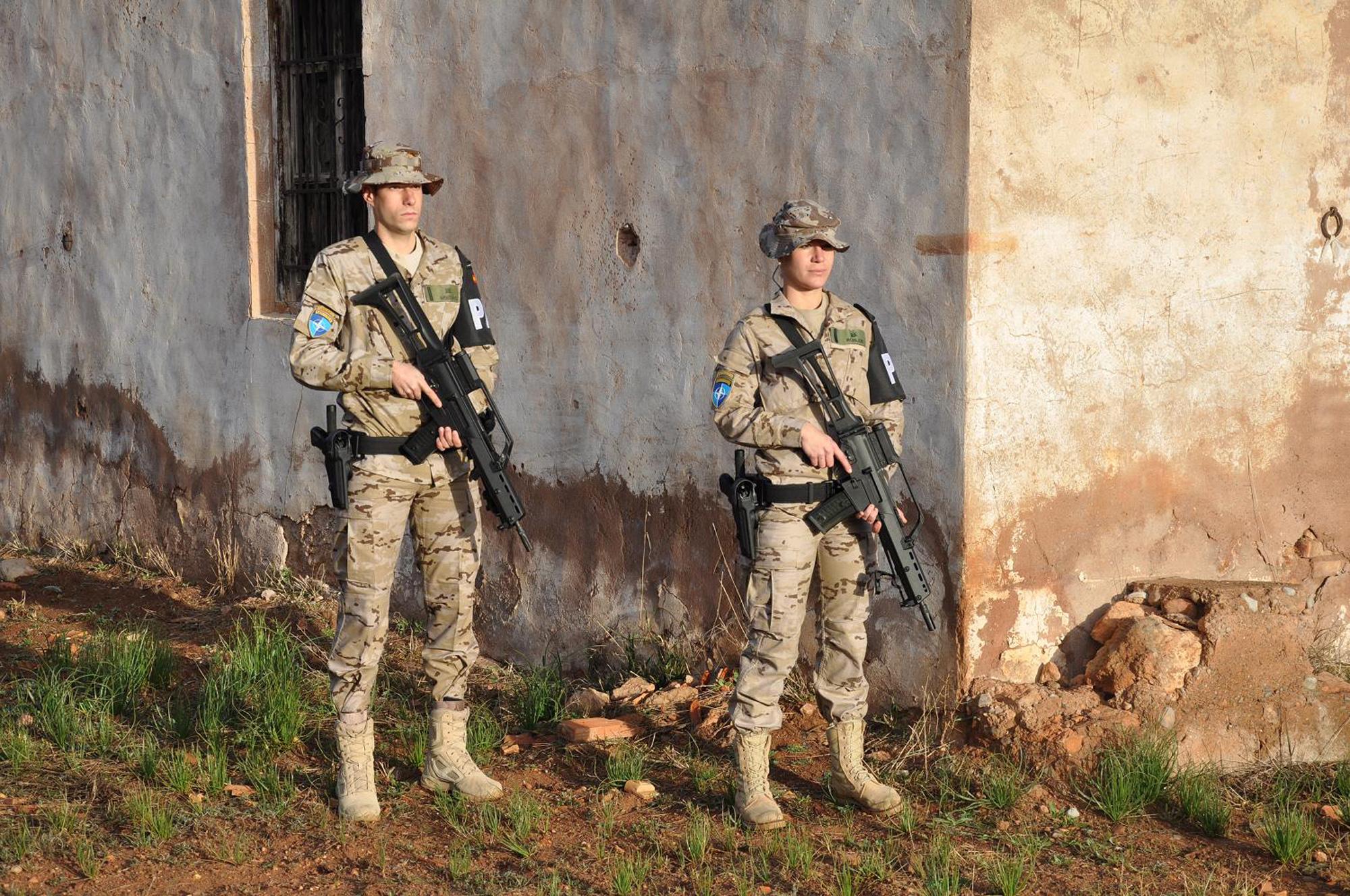 Nuevo uniforme desértico español - Análisis, opiniones - Página 2 DGC_100227_uniforme_pixelado_G