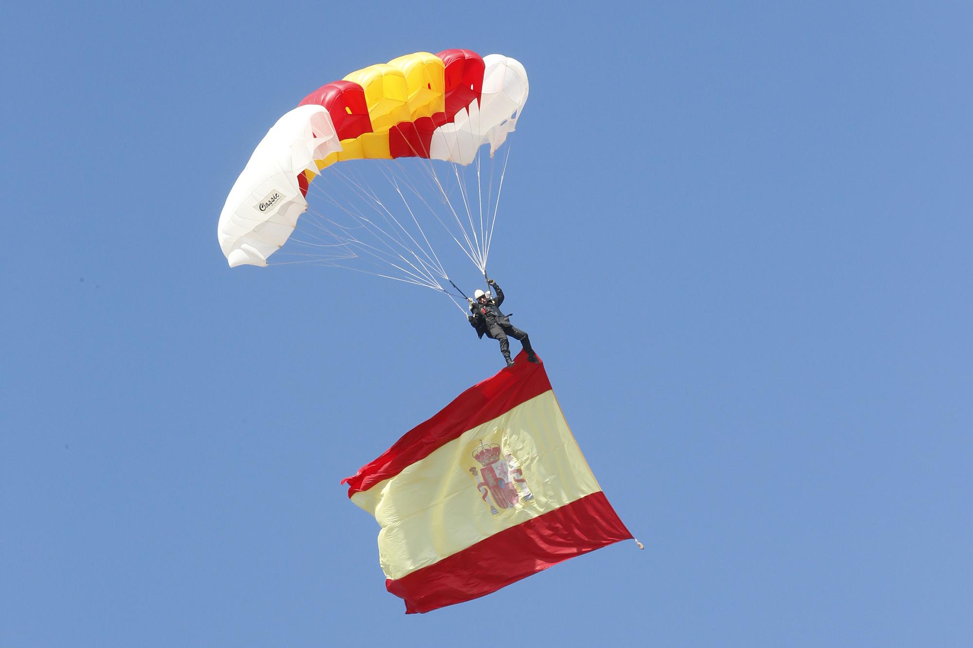===12 de Octubre dia de la Hispanidad=== DGC-150223-Ministro-Bripac-04-G
