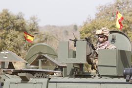 Soldado español, escoltando en Mali